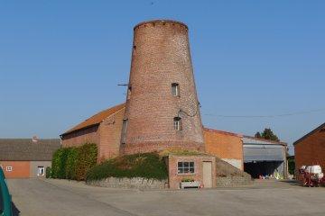 Foto van Oude Molen - II<br />Molen van Wuustwezel - II<br />Molen Van Hoydonck, Wuustwezel, Foto: John Verpaalen, Roosendaal, 02.10.2011 | Database Belgische molens