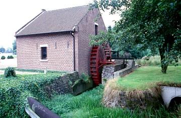 Foto van Het Mieleke<br />Nieuwe Molen, As, Foto: Wim Jans   Database Belgische molens