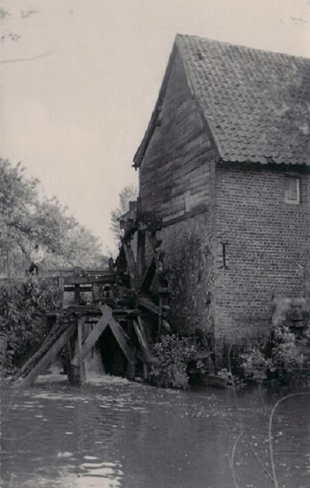 Foto van <p>Letenmolen<br />Letermolen</p>, Bilzen, Prentkaart. Coll. Reimond Martens, Bilzen   Database Belgische molens