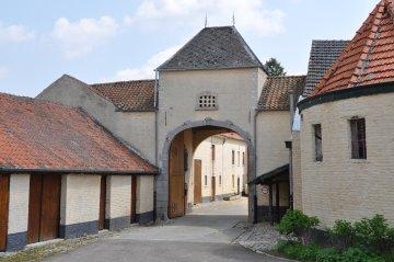 Foto van <p>Pitsaersmolen<br />Pitsaermolen</p>, Rumsdorp (Landen), Foto: Donald Vandenbulcke, Staden, 18.05.2010 | Database Belgische molens