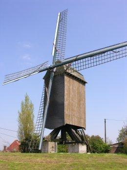 Foto van Landergemmolen, Anzegem, Foto: Donald Vandenbulcke, Staden   Database Belgische molens
