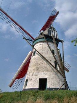 Foto van Brouckmolen, Beveren-aan-de-IJzer (Alveringem), Foto: Donald Vandenbulcke, Staden   Database Belgische molens