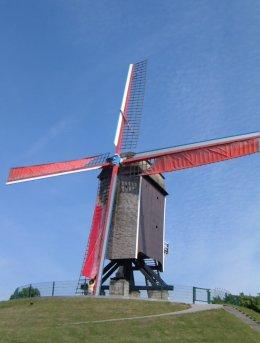 Foto van Sint-Janshuismolen<br />Sint-Janshuysmolen<br />Bakkersmolen (vroeger)<br />Sint-Aubertusmolen (vroeger), Brugge, Foto: Donald Vandenbulcke, Staden | Database Belgische molens