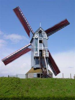 Foto van Koutermolen - II, Harelbeke, Foto: Harmannus Noot | Database Belgische molens