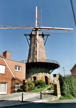 Foto van Muizelmolen, Hulste (Harelbeke), Foto: Christiaan Debusschere, Kortemark | Database Belgische molens