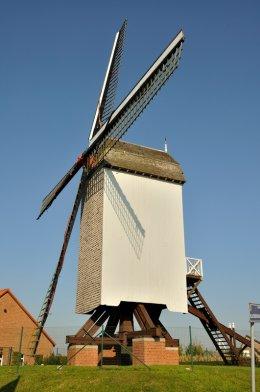 Foto van Kruisekemolen, Wervik, Foto: Patrick Hellemans, Roeselare, 22.10.2011 | Database Belgische molens