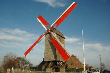 Foto van Steenakkermolen<br />Dodenmolen, Langemark (Langemark-Poelkapelle), Foto: Donald Vandenbulcke, 27.01.2008   Database Belgische molens