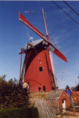 Foto van Tombeelmolen, Outrijve (Avelgem), Foto: Fanny Delaey, Sint-Denijs | Database Belgische molens