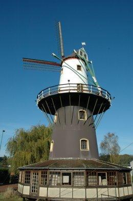 Foto van Zephyrusmolen, Ruddervoorde (Oostkamp), Foto: Donald Vandenbulcke, 25.10.2008 | Database Belgische molens