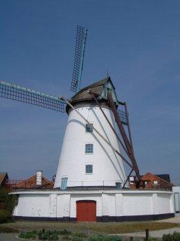 Foto van Briekenmolen<br />Brikkenmolen<br />Witte Molen, Wervik, Foto: Donald Vandenbulcke, Staden | Database Belgische molens