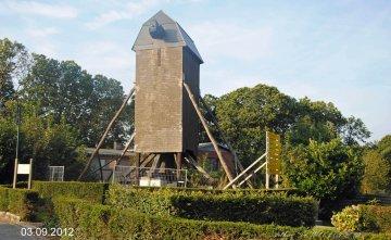 Foto van Lijstermolen<br />Hazemolen, Westouter (Heuvelland), Foto: Dirk Peusens, 03.09.2012 | Database Belgische molens