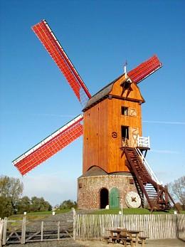 Foto van Wullepitmolen<br />Lindemolen, Zarren (Kortemark), Foto: Jos Demarée, Sint-Andries | Database Belgische molens